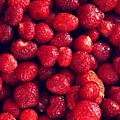 Strawberries by Remioni Art