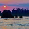 Sunrise Kinderjik 7 by Phyllis Spoor