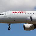Swiss Airlines Airbus A320 by David Pyatt