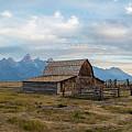 Ta Moulton Barn In Morning  by John McGraw