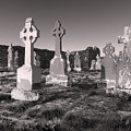 The Ghosts Of Ireland by Robert Lacy