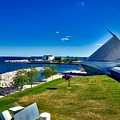 The Milwaukee Art Museum On Lake Michigan by Mountain Dreams