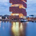 The Museum Aan De Stroom by Werner Dieterich