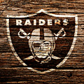 The Oakland Raiders 1e by Brian Reaves