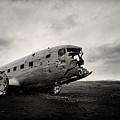 The Solheimsandur Plane Wreck by Tor-Ivar Naess