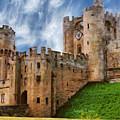 The Warwick Castle by Leonardo Digenio