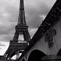 Tour Eiffel by Julia Loginova