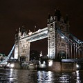 Tower Bridge By Night by Roberto Alamino