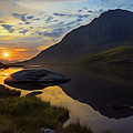Tryfan Surnise by Ian Mitchell