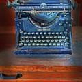 Underwood Typewriter by Dave Mills
