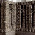 Uruk: Innin Temple Facade by Granger