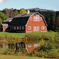 Vermont Barn by Laurie Baird