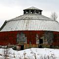 Vermont Round Barn by Deborah Benoit
