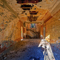 Villa Giallo Atmosfera Artistica Con Selfie - Artistic Atmosphere With Selfie by Enrico Pelos
