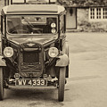 Vintage Car by Clare Bambers