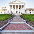 Virginia State Capitol Building by Leslie Banks