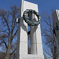 War Memorial D.c. by Alan Espasandin