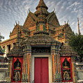 Wat Pho by Buchachon Petthanya