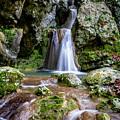 Waterfall. by Yau Ming Low