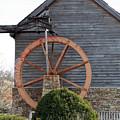 Waterwheel Of Old by Linda A Waterhouse
