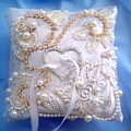 Weding Ring Pillow. Ameynra Design by Sofia Metal Queen