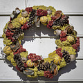 Williamsburg Wreath 29 by Teresa Mucha