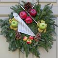 Williamsburg Wreath 87 by Teresa Mucha