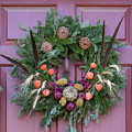 Williamsburg Wreath 92 by Teresa Mucha