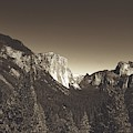 Beautiful Yosemite Valley by Mountain Dreams