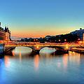 Connecting Bridge by Romain Villa Photographe
