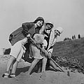 Flappers On The Beach by Sasha
