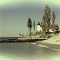 Point Betsie Lighthouse 2 by Melvin Busch