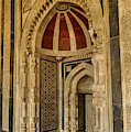 Qila-i-kuhna Mosque 02 by Werner Padarin