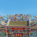 San Jao Phut Gong Dragon Roof Dthu0701 by Gerry Gantt
