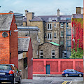 small street in center of Dublin by Ariadna De Raadt