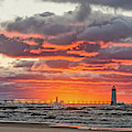 Sun Sinking Below The Horizon by Sue Smith