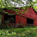 Tennessee Red Barn by David Smith