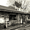 The Shack In Evergreen, Alabama In Black And White by Bill Swartwout Photography