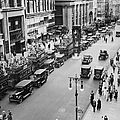 Traffic On Fifth Avenue In 1923 by New York Daily News Archive