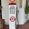 Vintage Texaco Gas Pump In Beaufort Sc by Dale Powell