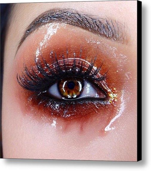 Claudia Yvette - Red glossy eye Print