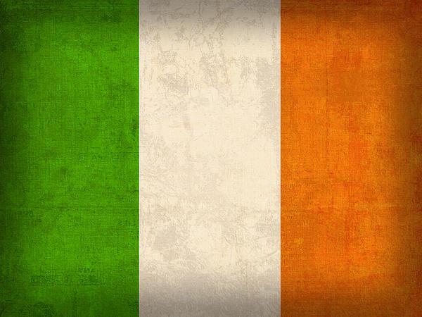 Design Turnpike - Ireland Flag Vintage Dist... Print