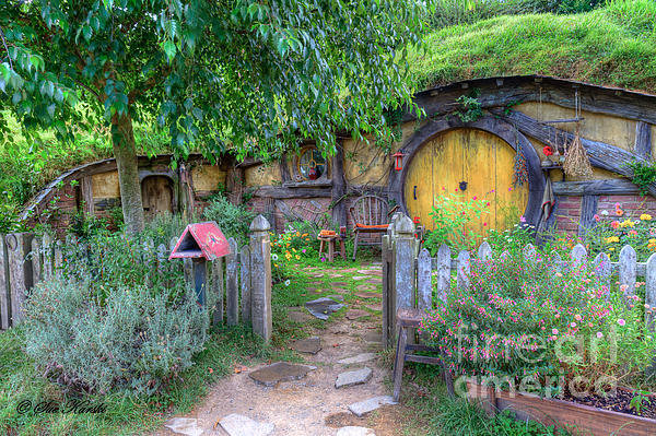 Sue Karski - Hobbit Hole 2 Print