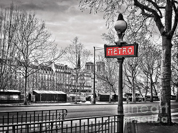 Delphimages Photo Creations - Metro Pont Marie Print