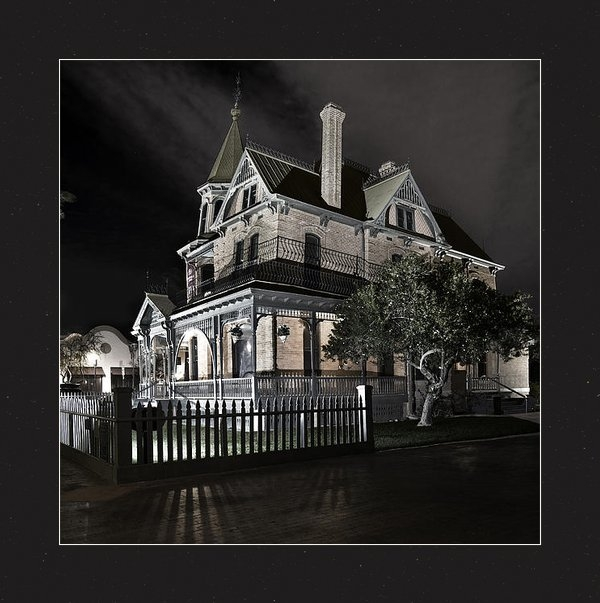 Dave Dilli - Rosson house haunted Blac... Print