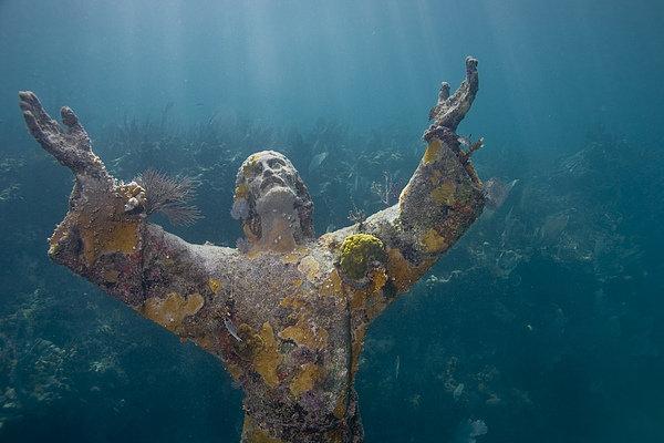 Bob Hahn - Christ of the Abyss Statu... Print
