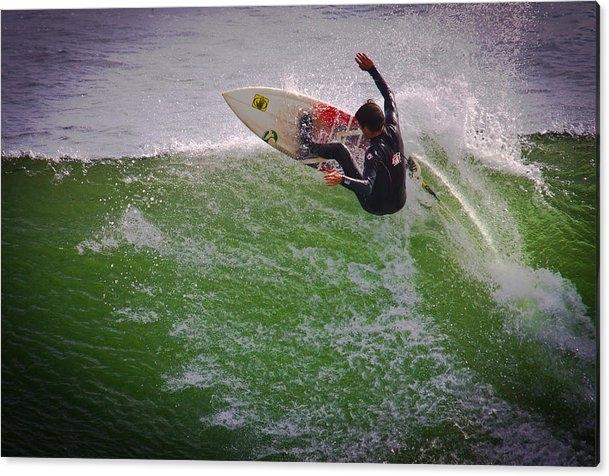 Gary Dance - Surfing in Santa Cruz Print