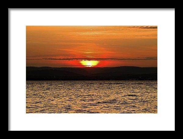 Alexander Mendoza - As the Sun Sets Print