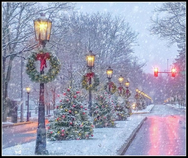 Bernadette Chiaramonte - First Snow on Main Street Print