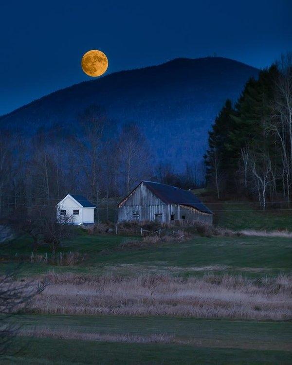 Tim Kirchoff - Burke Barn and Super Moon